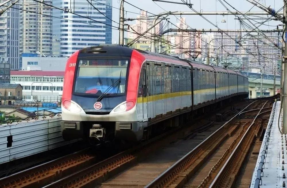 上海地铁 12月1日起将正式实施禁止手机外放